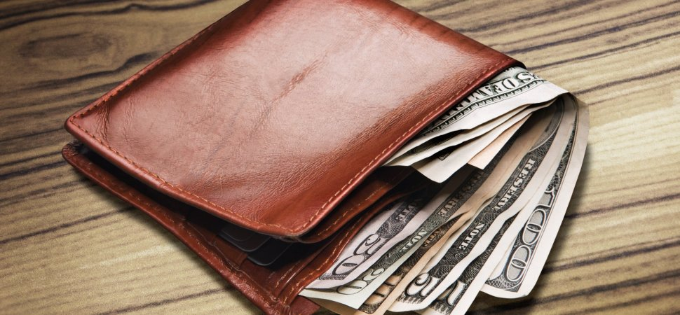 Stranger Returns Lost Wallet And Does Something You Won't Believe