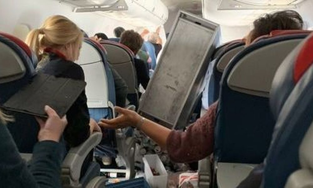'Insane' Delta Flight Turbulence Causes 5 Injuries